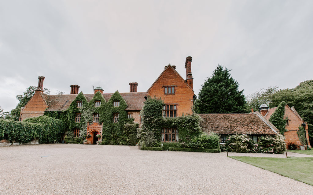 The perfect winter wedding venue in Suffolk woodhall manor driveway 1024x637 2