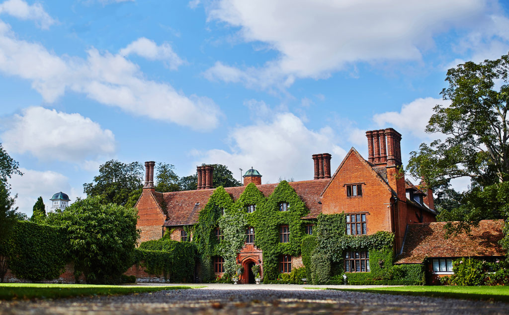 Last minute wedding guide Woodhall Manor entrance 5
